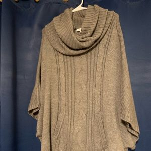 Gray New York & Co. poncho. Excellent condition.